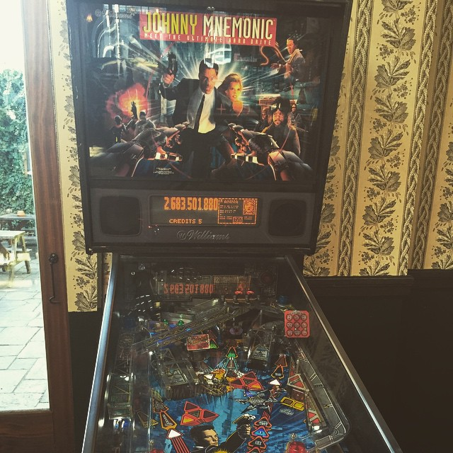 Bye bye HOOK, hello Johnny Mnemonic! This machine used to belong to someone famous! Prize if you can guess who? #pinball #pinballmachine #pub #game #stokey #N16 #whitehart